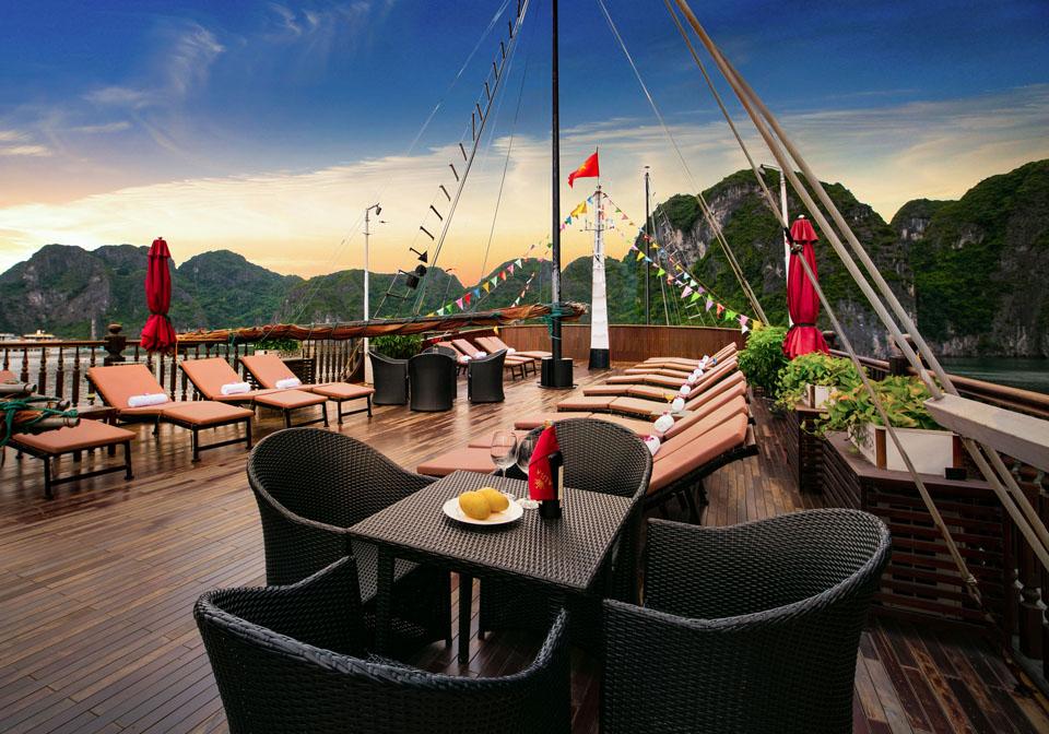 Alisa Premier Cruise sundesk