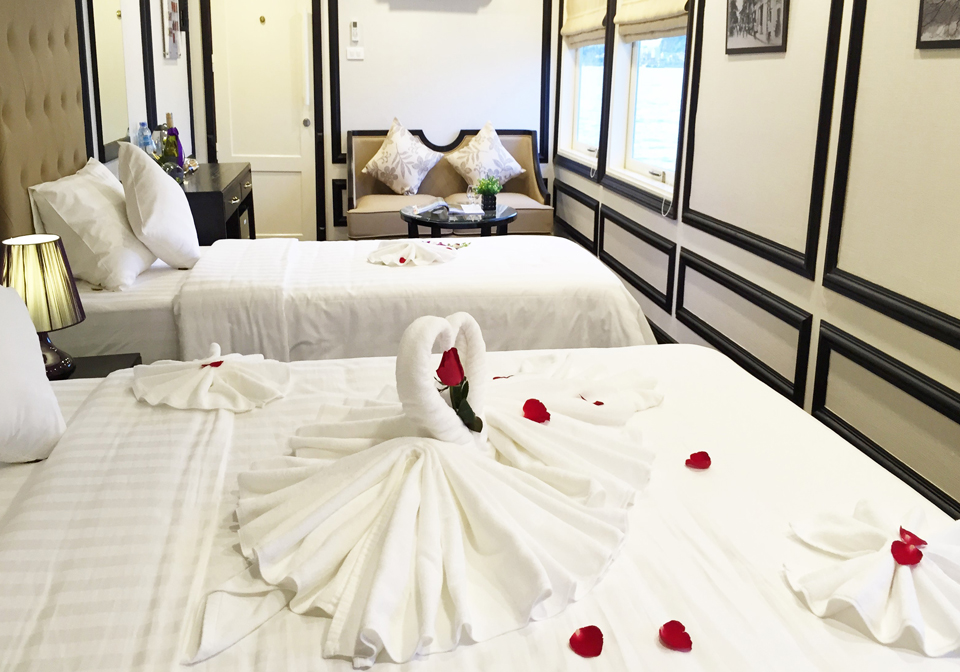 Amira Cruise honeymoon room