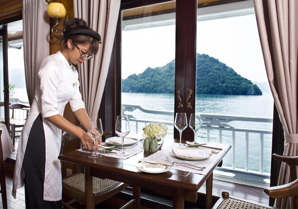 Aphrodite Cruise restaurant