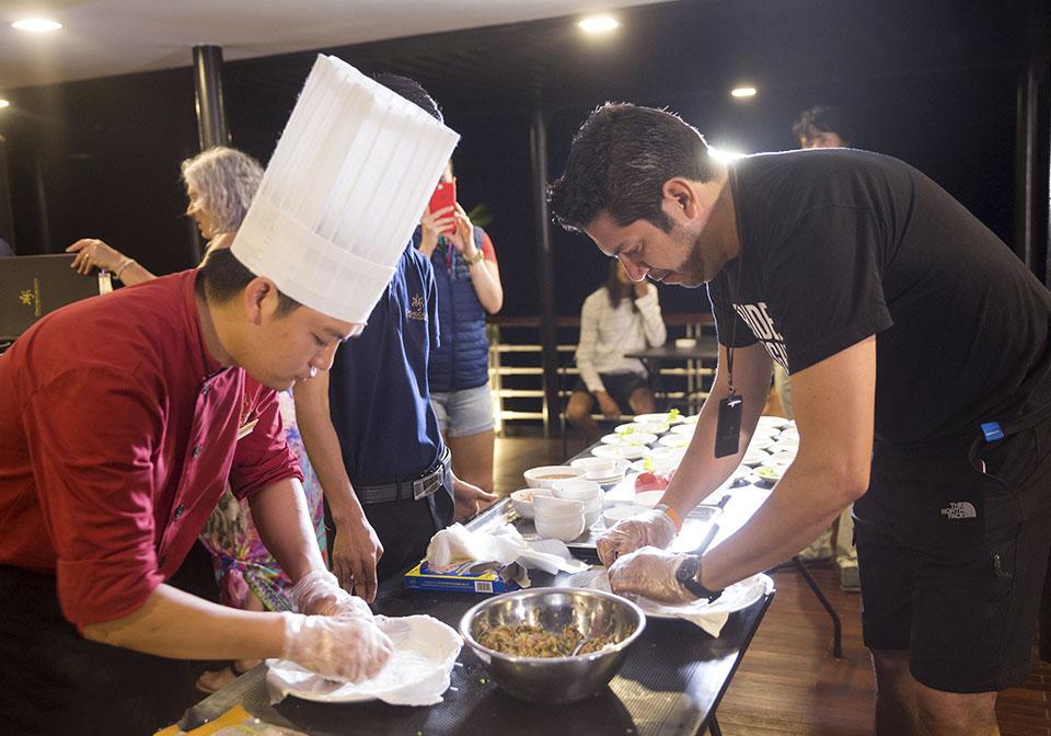 Azelea Cruise Class cooking room