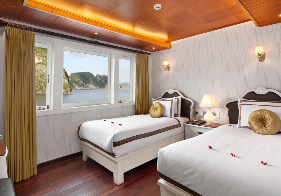 Bellezza Cruises Info bedroom