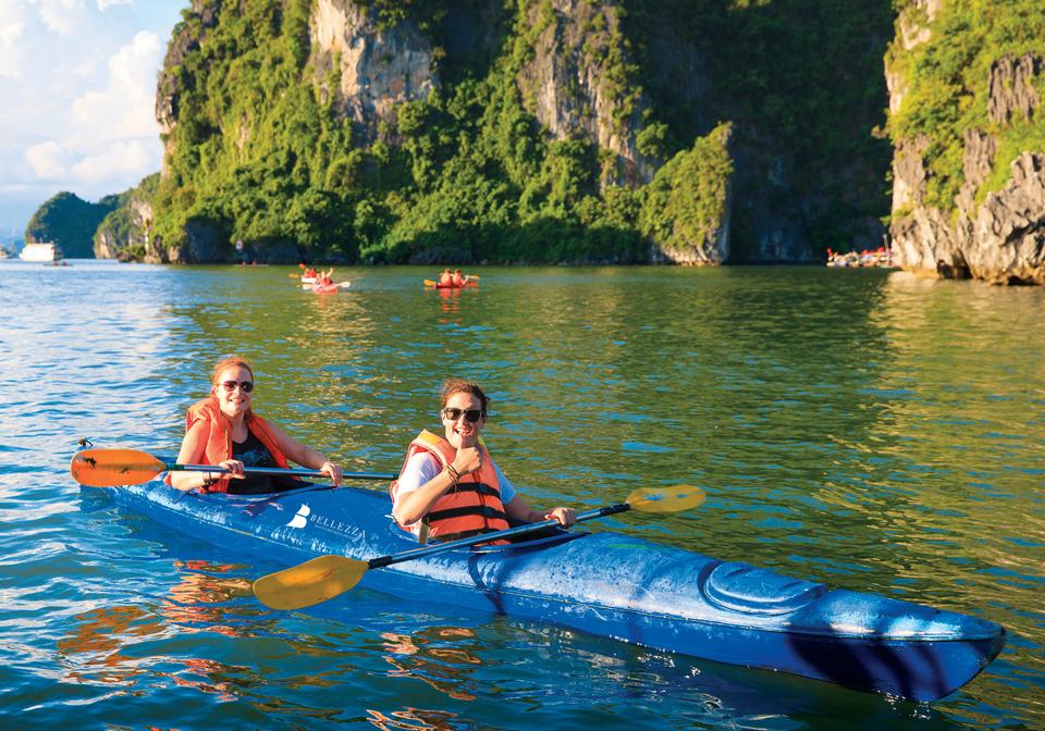 Bellezza Cruises Info kayaking