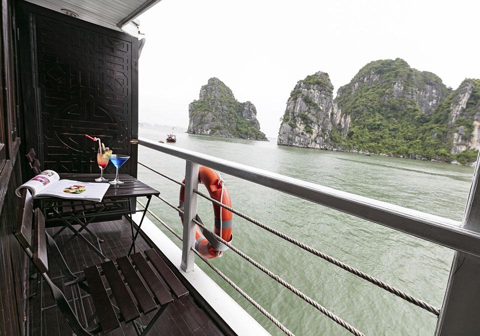 Carina Cruise balcony 2