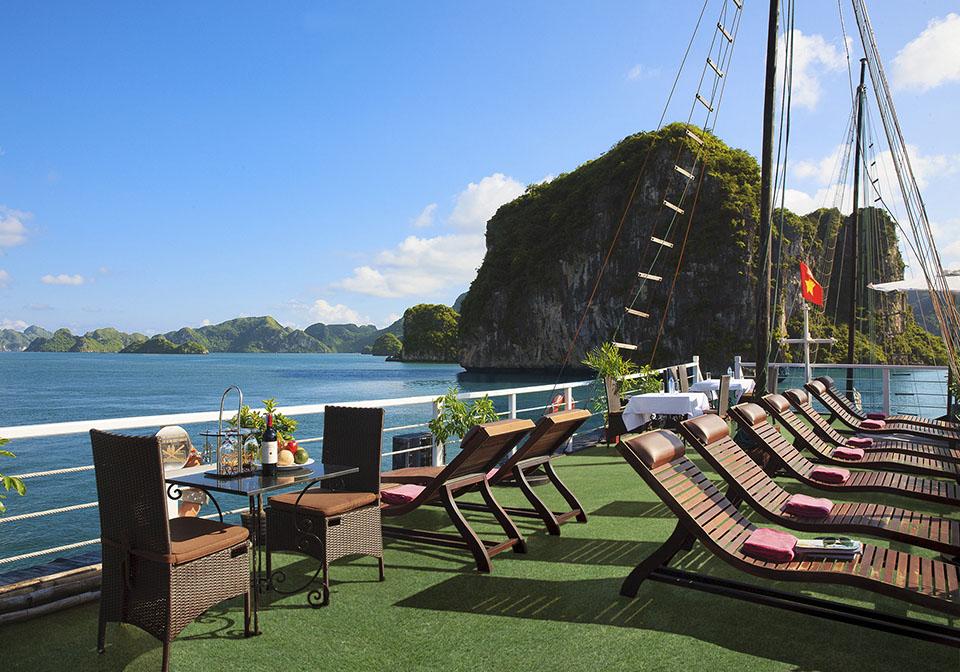 Carina Cruise Halong