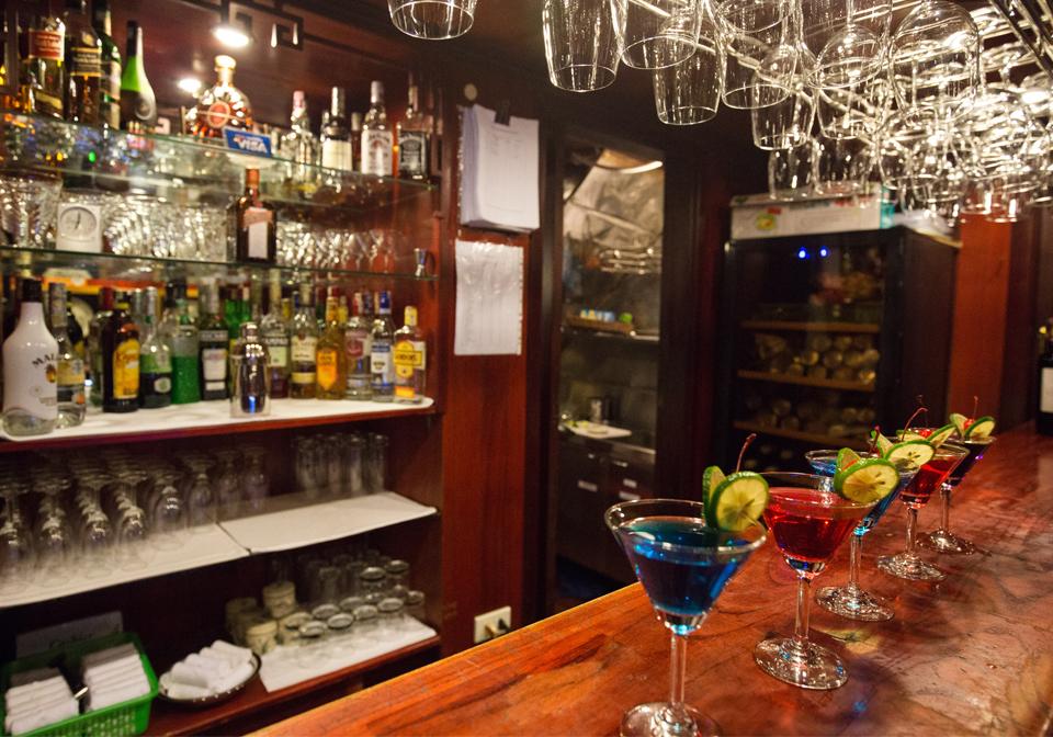 Dragon's Pearl Junk bar