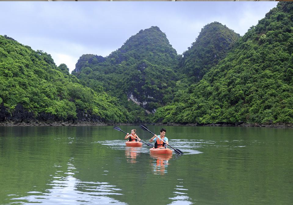 Halong Emeraude Cruise Kayak