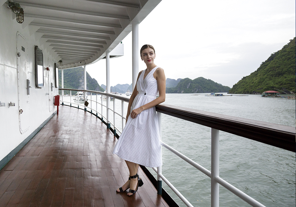 Halong Emeraude Cruise thumbnail