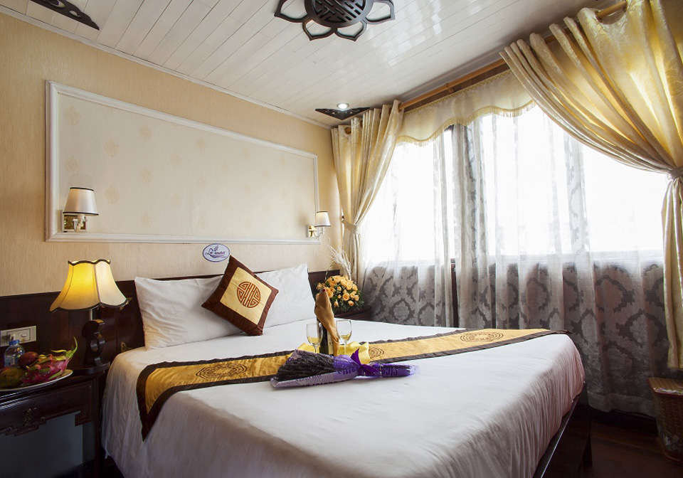 Halong Lavender Cruise double room