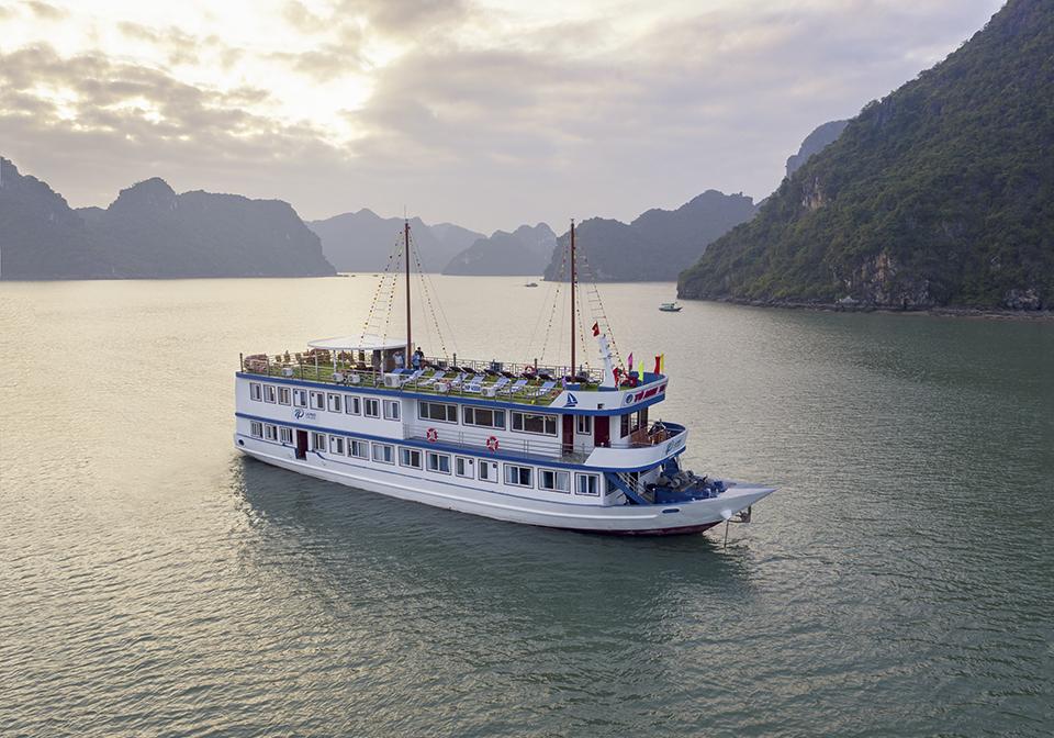 La Paci Cruise Overview