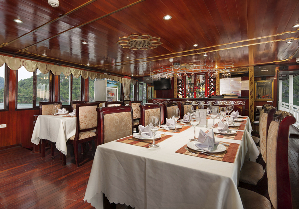 Legacy Legend Cruise Restaurant