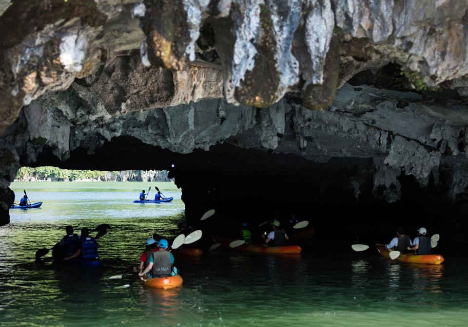 Pelican Halong Cruise kayaking 1
