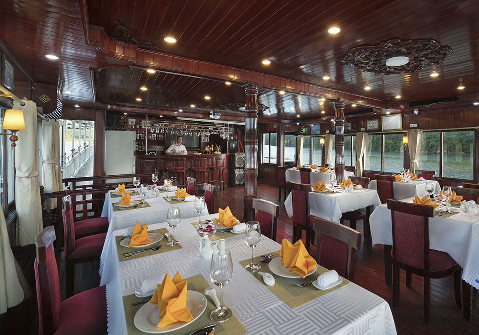 Rose Cruise Halong restaurant