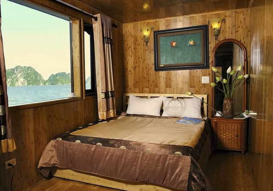 White Dolphins Cruise Double room 1