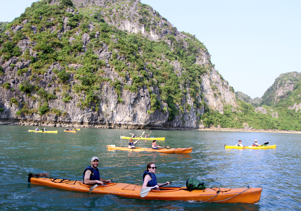 Our safe and comfy kayaks will allow you to see the beauty Lan Ha bay upclose