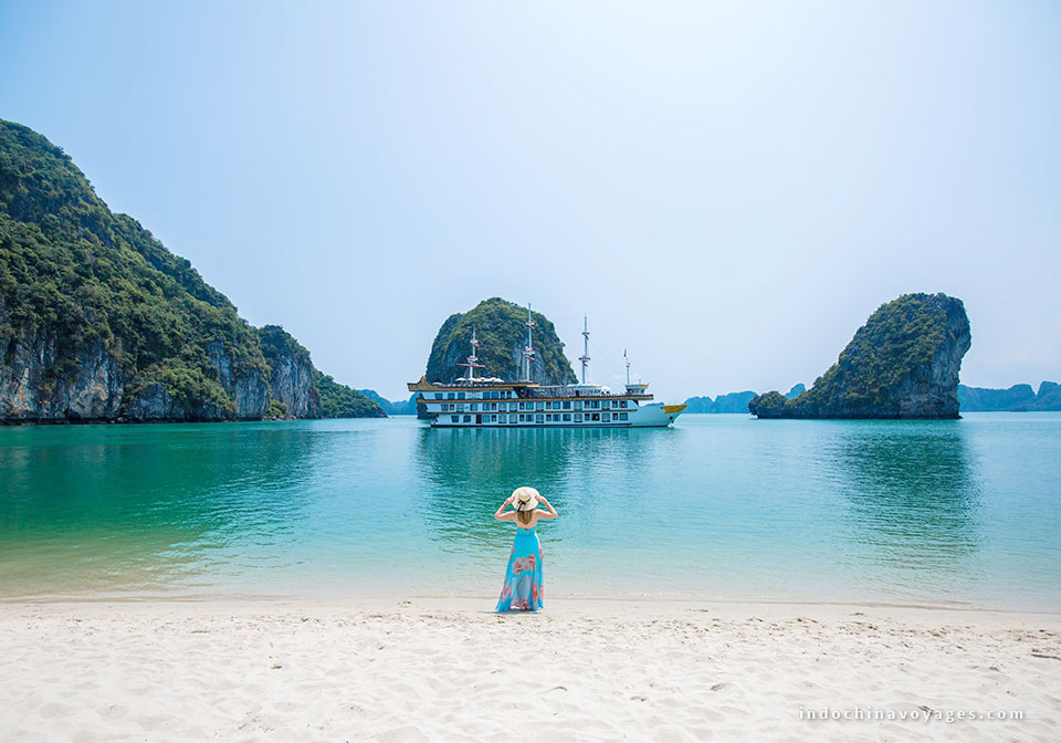 How to get from Ho Chi Minh to Halong bay
