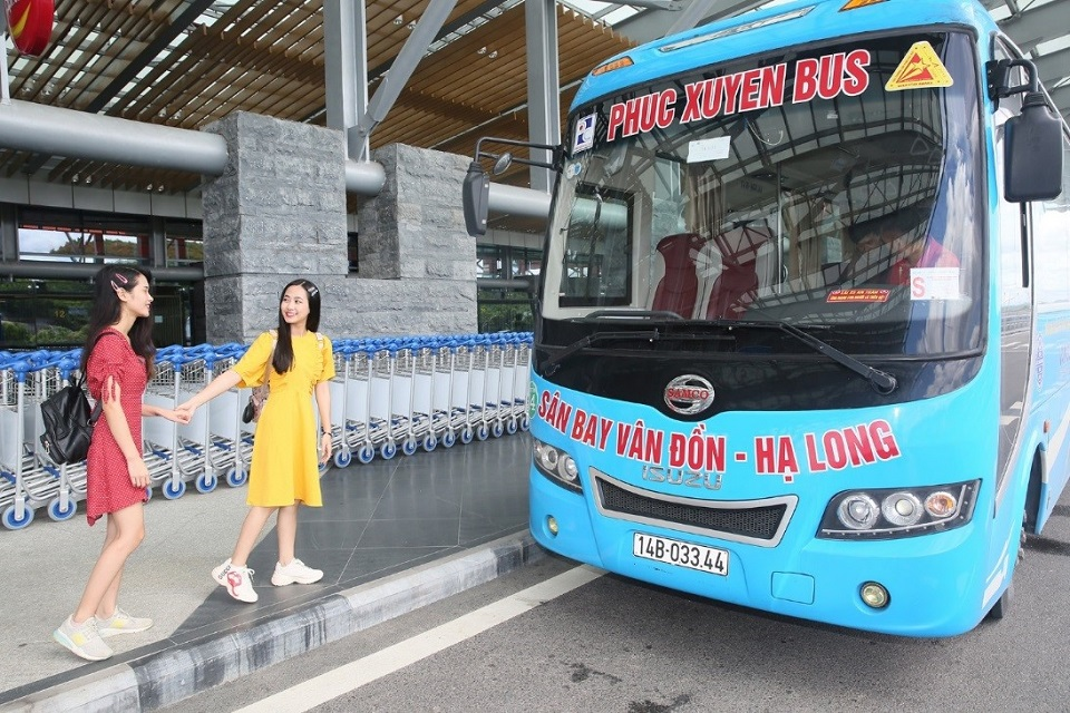 free bus from Van Don airport to Halong Bay