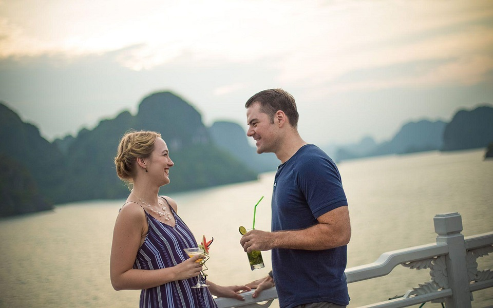 Bhaya Cruise - Bai Tu Long Bay